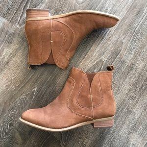Nine West Nubuck Leather Jupiter Ankle Booties 6.5